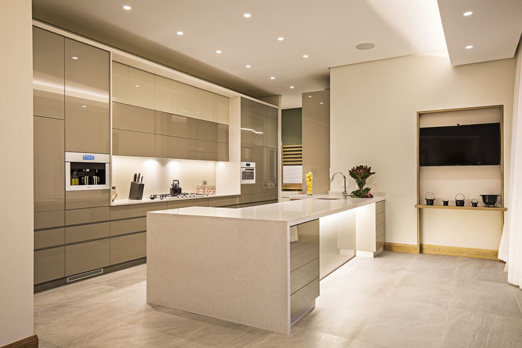 White_Star_Caesarstone_best_Kitchen_island_trend
